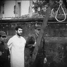 """garip1yolcu: """" 1980 darbesinde darbecilerin idam ettiği Ali Bülent ORKAN, cezası bir hafta ertelenince, Muhsin Yazıcıoğlu'na bir mektup gönderir… Der ki: """"Başkanım cezam bir hafta ertelendi. Çok sevinçliyim. Lakin sevincim cezamın bir hafta... Important Facts, Historical Pictures, Olay, Revolutionaries, Black And White Photography, Old Photos, History, Portrait, Kurdistan"""