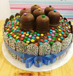 Birthday Cakes, Birthday Ideas, Chocolate Garnishes, Candy Cakes, Chocolate Covered Strawberries, Creative Cakes, Amazing Cakes, Cake Decorating, Angels
