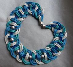 Ketten kurz - JuniHimmel - Kette in blau, türkis und weiß - ein Designerstück von Patikreli bei DaWanda