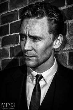 B & W Tom Hiddleston
