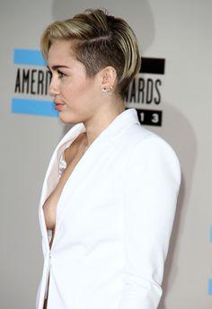 Miley Cyrus - Sideboob