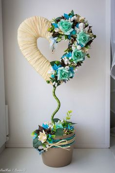 Topiary - one of the most popular types of creativity, accessible to everyone! Flower Crafts, Diy Flowers, Paper Flowers, Topiary Centerpieces, Teacup Crafts, Diy Y Manualidades, Floral Arrangements, Diy And Crafts, Wedding Decorations
