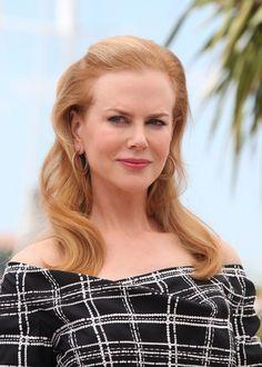 Nicole Kidman Long Wavy Cut
