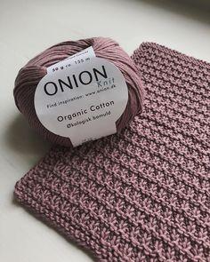 Pet Cloth – Free Pattern on Knitted Crochet Cloth – Ecoknitting # knitting patternsbaby Favorite Cloth – Free Pattern on Knitted Crochet Cloth – Ecoknitting Knitting Blogs, Baby Knitting Patterns, Loom Knitting, Free Knitting, Crochet Baby Cardigan, Knit Crochet, Outlander Knitting, Knitted Washcloths, Beautiful Crochet