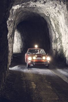 Porsche 911 and Walter Röhrl in the French Maritime Alps, Rally Monte Carlo Ferdinand Porsche, Monte Carlo, Rally Raid, Racing Events, Mazda 6, Vintage Race Car, Land Rover Defender, Classic Cars, Porsche Classic