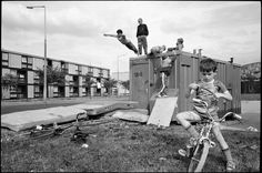 Children playing in a Moss Side housing estate (Gilles Peres, 1984)