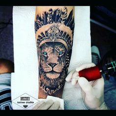 Leading Tattoo Magazine & Database, Featuring best tattoo Designs & Ideas from around the world. At TattooViral we connects the worlds best tattoo artists and fans to find the Best Tattoo Designs, Quotes, Inspirations and Ideas for women, men and couples. Lion Head Tattoos, Maori Tattoos, Tiger Tattoo, Feather Tattoos, Forearm Tattoos, Life Tattoos, Body Art Tattoos, New Tattoos, Tattoos For Guys