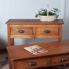 2 Day Designs 268 Jefferson Foyer Entry Table