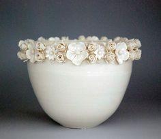 Keramik mit Blüten von Emma Clegg... via Designchen