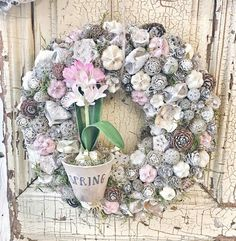 Xmas Wreaths, Easter Wreaths, Door Wreaths, Easter Crafts, Holiday Crafts, Decoupage Box, Summer Wreath, How To Make Wreaths, Flower Decorations