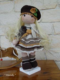 Un crochet pour une poupée Crochet Amigurumi, Amigurumi Doll, Crochet Toys, Knit Crochet, Crochet Dolls Free Patterns, Crochet Doll Pattern, Amigurumi Patterns, Crochet Doll Clothes, Knitted Dolls
