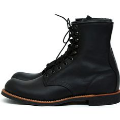 The model we will be highlighting this week is the Red Wing Shoes Harvester boot. The Red Wing Harvester in Amber Harness and the Red Wing Harvester in Black Harness are available in our online store. Red Wing Shoes, Bottes Red Wing, Red Wing Shoe Stores, Vans Classic Old Skool, Mens Boots Fashion, Male Fashion, Abercrombie Men, Versace Men, Men Boots