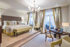 200 Must-Have Lighting & Furniture Design Pieces By BRABBU   Interior Design Inspiration. Home Decor. #interiordesign #homedecor #furnituredesign Read more: https://www.brabbu.com/en/inspiration-and-ideas/interior-design/200-must-have-lighting-furniture-design-pieces-brabbu