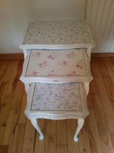 Shabby Chic Home Decor Decoupage Furniture, Hand Painted Furniture, Funky Furniture, Refurbished Furniture, Repurposed Furniture, Shabby Chic Furniture, Furniture Makeover, Painted Wood, Furniture Ideas