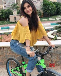 Nabha Natesh HD Photos New Stills images Pics Hollywood Actress Pics, Hollywood Heroines, South Indian Actress, Beautiful Indian Actress, Beautiful Actresses, Sonam Kapoor, Deepika Padukone, Bollywood Photos, Bollywood Actress Hot