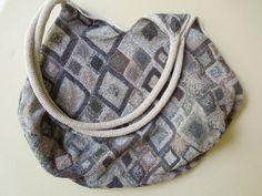 Diagonal medium linen handbag GG – French Needlework Kits, Cross Stitch, Embroidery, Sophie Digard – The French Needle