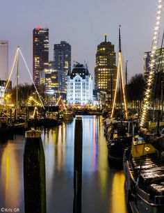Oude Haven / Witte Huis Rotterdam. The Netherlands Dutch Netherlands, Kingdom Of The Netherlands, Rotterdam Netherlands, Places To Travel, Places To Visit, La Haye, Paradise On Earth, Night City, Travel Photography