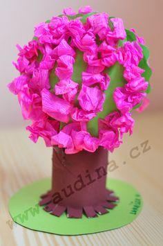 Rozkvetlý strom z ruličky od toaletního papíru | audina.cz – rukodělné činnosti