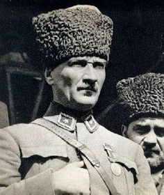 Gazi Mustafa Kemal waiting for the attack against the Greek Army, August 1922 Portrait Photos, Portrait Art, Blond, Berlin, Turkish Army, The Turk, Cultural Identity, Great Leaders, Ottoman Empire