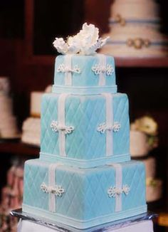 Tiffany Blue Cake by Amphora - on this particular cake, I like the quilting