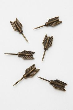 how cute are these arrow push-pins!? #arrow #pin
