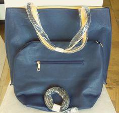 Bolsa dupla face em couro sintético azul marinho com amarelo!