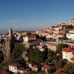 """Arachova dubbed as the """"Winter Mykonos"""", though a popular winter destination, is equally exhilarating, with its several hiking trails. Day Tours, Mykonos, Hiking Trails, Cosmopolitan, Paris Skyline, Cities, Greece, Road Trip, Popular"""