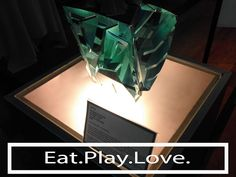 Tracklane: Eat Play Love