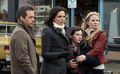 Emma and Neal may soon be reunited on Once Upon a Time!  Michael Raymond-James will reprise his role as Neal Cassidy in the landmark 100th episode, EW has learned.