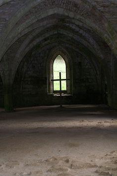 Fountains Abbey by drewkeavey, via Flickr