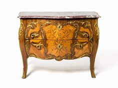A Kingwood and Tulipwood Commode, in Louis XV Style Oak structure, satinwood, rosewood, gilt-bronze — Furniture, Lamps, Mirrors, Decoratives, lighting