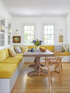 Banquette seating for 10 at this family breakfast table- extend bench Kitchen Booths, Kitchen Seating, Kitchen Benches, Dining Room Bench Seating, Kitchen Banquette Ideas, Corner Banquette, Kitchen Ideas, Banquette Seating In Kitchen, Kitchen Planning