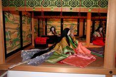 Dolls dressed in junihitoe: Moegi no nioi pattern Japanese Costume, Japanese Kimono, Japanese Art, Japanese Style, Heian Era, Heian Period, Traditional Kimono, Asian Beauty, Culture