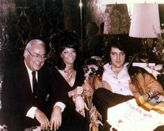 Elvis in his suite with first-cousin Bobbi Wren and her husband, Ken. Bobbi was the Daughter of Lillian Smith, Gladys' older sister.