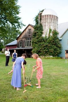For your outdoor wedding keep guests busy with lawn game options