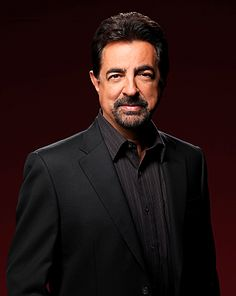 Criminal Minds Exclusive: Joe Mantegna on The Replicator, Rossis Love LIfe and More