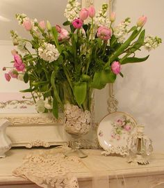 buttons in vase    http://chateaudefleurs.blogspot.co.uk/search?updated-max=2012-03-06T03:22:00-08:00=10