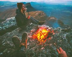 Panoramic views of the Grampians wasn't our only reward hiking to this summit for sunset last night Keeping warm around the campfire with good company and marshmallows waiting for the stars ⛰❤️ @happysocks