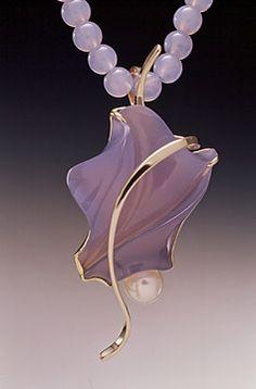 Blue chalcedony and pearl. Unusual Jewelry, Modern Jewelry, Metal Jewelry, Pendant Jewelry, Jewelry Art, Gemstone Jewelry, Beaded Jewelry, Vintage Jewelry, Fine Jewelry
