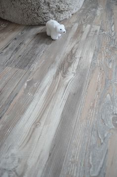 Your basement flooring options are not really any different from the flooring options elsewhere in your home. Everything from ceramics to hardwood, all are possible choices for your basement floor… Sol Pvc, Basement Flooring, New Homes, Paint, House, Ideas, Oak Laminate Flooring, Basement Subfloor, Floating Floor
