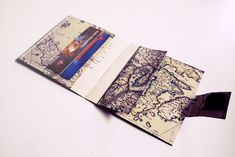 DIY map wallet What you need - a map or some other pretty paper - transparent self-adhesive foil (contact paper) - a ruler - a pencil - a sewingmachine Diy Father's Day Gifts, Father's Day Diy, Fathers Day Gifts, Xmas Gifts, Diy Map Wallet, Diy Wallet From Paper, Map Crafts, Book Crafts, Map Projects