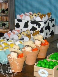 Decoração Fazenda- melancias !!!love it! Western Babies, Farm Party, Sunday School Crafts, Farm Animals, 2nd Birthday, Toy Chest, Children, Kids, Goodies