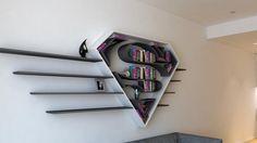Estas repisas convertirán tu sala en un refugio de superhéroes