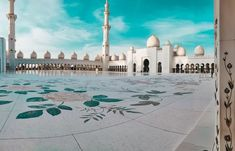 Sheikh Zayed Grand Mosque 1 Sultan Qaboos Grand Mosque, Strait Of Malacca, Ancient Greek Architecture, Gothic Architecture, History Of Islam, Beautiful Mosques, Beautiful Places, Visit Dubai, World Pictures