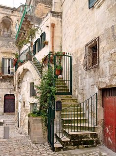 A Walking Tour Through the Sassi in Matera, Italy