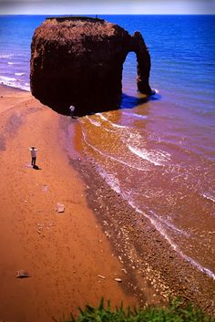Elephant Rock,Prince Edward Island This will be a must-see! Places Around The World, Oh The Places You'll Go, Places To Travel, Places To Visit, Ottawa, East Coast Travel, East Coast Road Trip, East Coast Canada, Voyager Loin