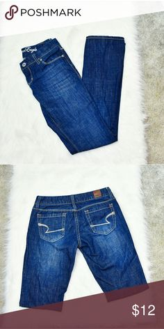 American Eagle Medium Wash Straight Leg Jeans In excellent condition! Very comfortable, stretchy, and soft! Buy 3 items and get 1 free plus 15% off your purchase total! American Eagle Outfitters Jeans Straight Leg