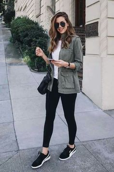 Nichole Ciotti, jaqueta verde musgo, blusa branca, legging preta, tênis esportivo Source by ligiabonilla clothes How To Wear Vans, How To Wear Leggings, Leggings Shoes, Nike Leggings, Tight Leggings, Long Shirt With Leggings, Leggings Party, Dress Leggings, Tribal Leggings