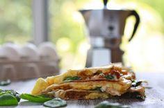 breakfast quesadillas recipes-to-try-breakfast-tea What's For Breakfast, Breakfast Dishes, Breakfast Recipes, Breakfast Healthy, Morning Breakfast, Sunday Morning, Quesadillas, Little Lunch, I Love Food
