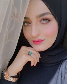 Beautiful Hijab Girl, Beautiful Muslim Women, Most Beautiful Indian Actress, Beautiful Eyes, Preety Girls, Cute Girls, Muslim Beauty, Celebrity Stars, Hijab Tutorial